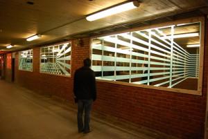 Ryna Nymoen Sandnes: Retningslinjer i speil, The White Tube, 2009. Foto: André Gali