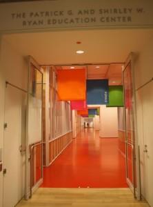 Fra inngangen til fargerike Ryan Education Center, museets egen barneavdeling, som har gratis inngang året rundt. Foto: Siri Breistein
