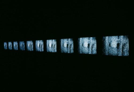 Kjell Bjørgeengen, ´Shift´, 1995. Videoinstallasjon. © Museet for samtidskunst.