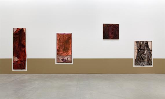Ane Graff, 'Quarried (Blunt)', Quarried (Spent)', 'Quarried (Upstanding)', 'Quarried (Trifled)'. Foto: RH Studio, © STANDARD (Oslo).