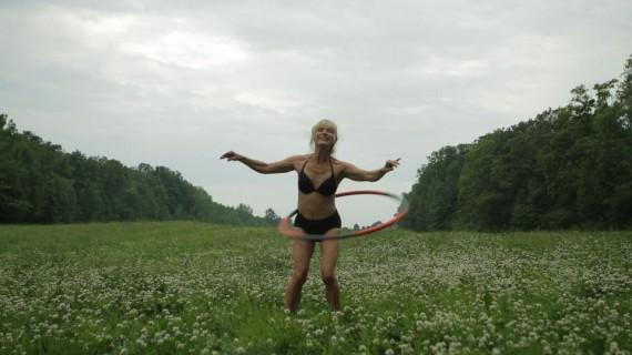 Charlotte Thiis-Evensen, still from 'Trær som faller', 2011
