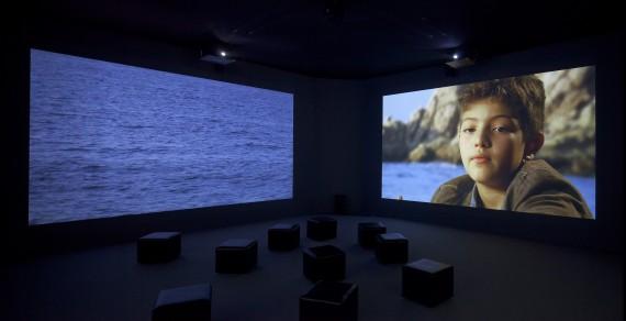 Eija-Lisa Ahtila, 'Where is Where?' ('Missä on missä?'), 2008. Videoinstallasjon. Kiasma Collections. Foto:  Finnish National Gallery / Central Art Archives / Pirje Mykkänen