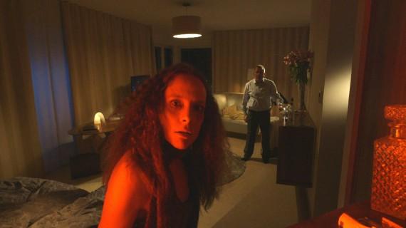 Lene Berg, videostill 'Ung Løs Gris'.