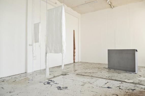 Installasjonsfoto: Aurora Passero, Else Leirvik, Tove Storch. Foto: Bo Johannsen