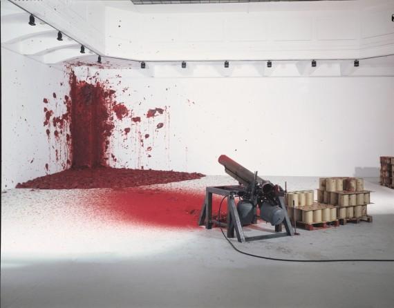 Anish Kapoor, 'Shooting into the Corner', 2008–2009 (detalj). Foto: Nic Tenwiggenhorn. ©Anish Kapoor / VG Bildkunst, Bonn, 2013