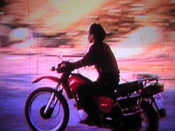 Hito Steyerl, November (2004), video, stillbilde