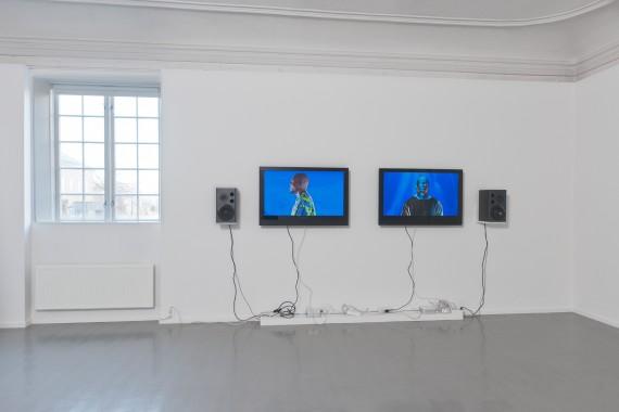 Sandra Mujinga: Face Time/ Facetime - Real Time/ Realtime, 2013, HD video, 05:31 min (loop), Performance