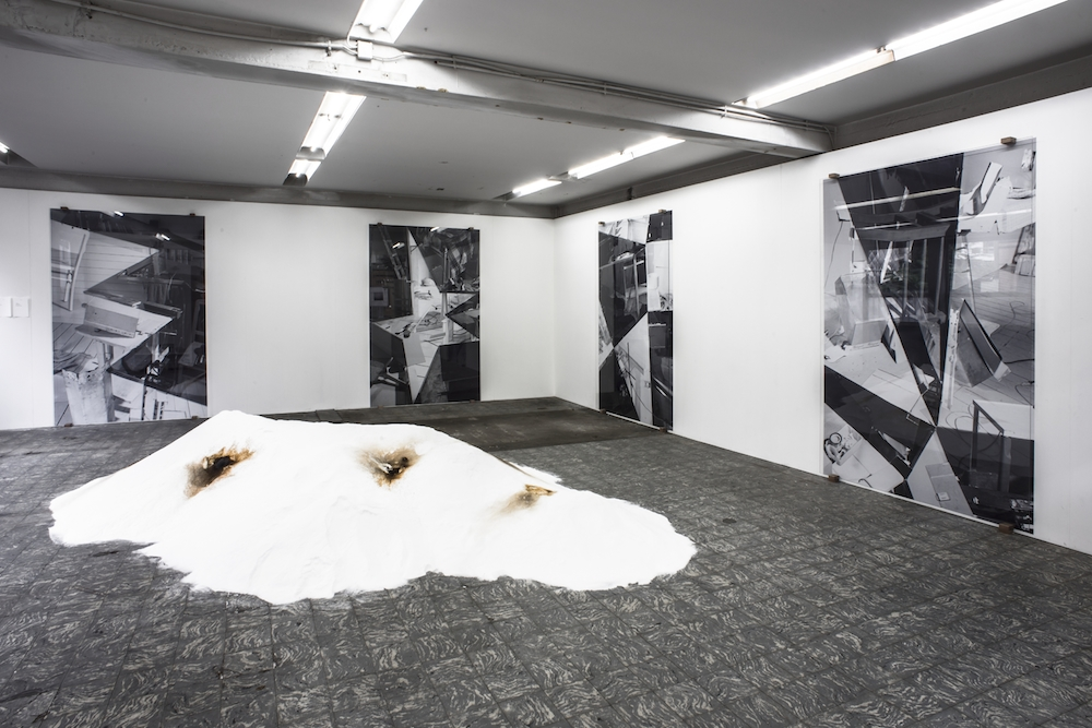 Navid Nuur, Allegory of the Cave Painting, installation view, Extra City Kunsthal, Antwerpen, 2014 © Christine Clinckx